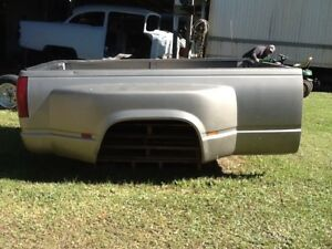 2000 Chevy 8 Foot Truck Bed