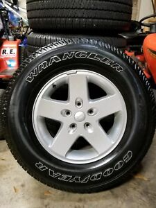 Used Set Of 5 17 Factory Oem Jeep Wrangler Silver Wheels Rims And Tires
