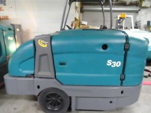 Tennant S30 Sweeper L p Totally Serviced Very Low Hrs Gm Eng