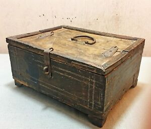 Old Antique Wooden Hand Crafted Big Storage Dow Chest Box Trunk