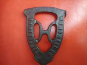 Antique Or Vintage Cast Iron Trivet The W H Howell Co Geneva Ill