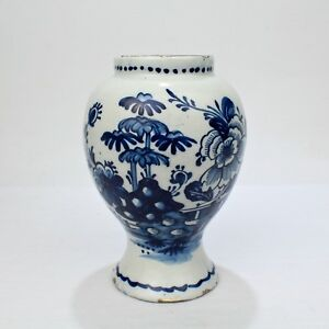 18th Century Tin Glazed Dutch Delft Pottery Blue And White Vase Or Jar Pt