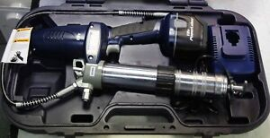 Lincoln 1800 Power Luber Grease Gun In Case W one Battery Charger