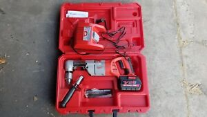 Milwaukee V28 Cordless Right Angle Drill