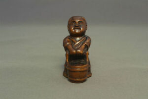 Netsuke Judging Of Water Drawing Japanese Wooden Figure Sculpture Ojime Okimon