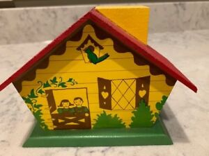 Vintage Wooden Coin Bank Farm House With Key