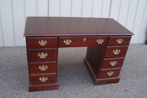 59803 Hooker Furniture Cherry Office Desk Chest With Key