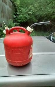 Eagle 2 1 2 Gallon Gasoline Red Gas Can Round Plastic Pg 3 Usa