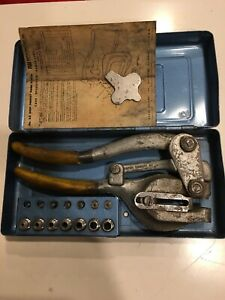 Vintage Roper Whitney Hand Punch Set No 5 Jr With Metalcase Complete 3 32 9 32