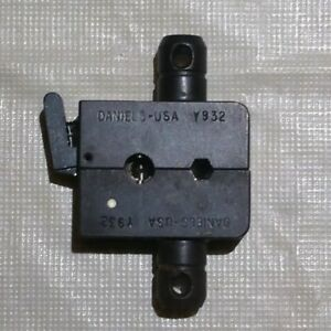 Daniels Crimp Die Y932 Use With M22520 5 01