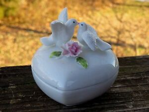 Royal Crown Fine Bone China Trinket Box Lovebirds Heart Shape Capodimonte Flower