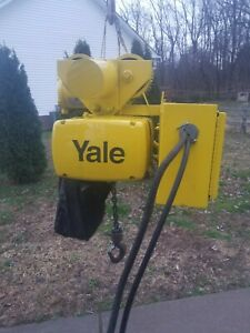 Yale 1 Ton Electric Chain Hoist With Motorized Trolley