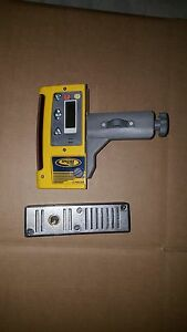 Used Spectra Precision Cr600 Laser Receiver W Magnetic Mount And Rod Clamp