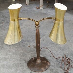 Vintage Mid Century Modern Dual Cone Perforated Atomic Desk Or Table Lamp