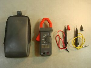 Fluke 30 Clamp Meter W leads Case Works Clean