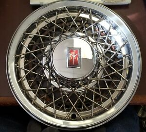 1981 Oldsmobile Cutlass 14 Wire Wheel Cover Hubcap 4081 Nos