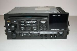 Chevy Gmc Truck 1995 2002 Stock Am Fm Cd Player Radio In Good Condition