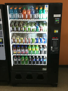 Dixie Narco 5591 Glass Front Soda Vending Machine Used Card Reader