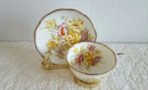 Gorgeous Vintage Roslyn Floral Bouquet Fine Bone China Tea Cup And Saucer Euc