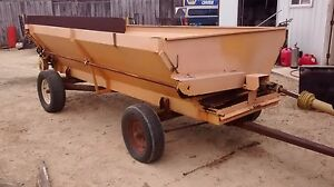 Self unloading Box Wagon Forage Silage Barge Box Corn Farm Tractor Wagon