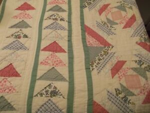 Quilt Handmade Cottage Lovely Cozy Triangle Design Vtg Sewn Stitched 94 X 82