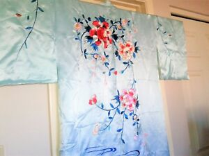 Asian Chinese Japanese Silk Embroidered Kimono Floral Robe Textile Vintage