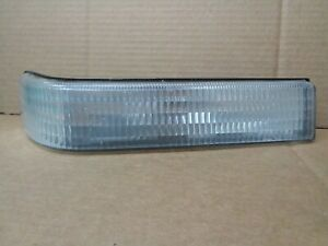 1997 Jeep Grand Cherokee Passenger Right Front Park Lamp Turn Signal 116 01074r