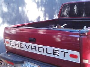 1990 1999 Chevy Gmc Silverado Tailgate Red Or Gold Truck Parts Complet No Rust