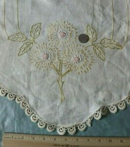 Antique Floral American Embroidered Arts Craft Linen Table Runner L 40 X W 16