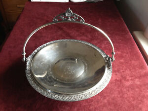 Victorian James W Tufts Antique Brides Basket Quadruple Silverplate 1890s 2706