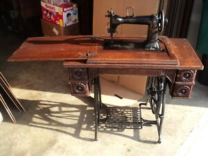 Wheeler Wilson Bridgeport Ct Sewing Machine Table D 9 Serial 2467815