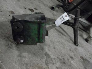 John Deere 2010 Tractor Brake Assembly Part t21360t Tag 321