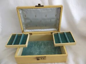 Vintage Retro Jewelry Box Two Trays Turquoise Interior 10 X 7 X 3 1 2 Goldish