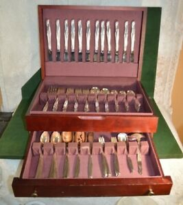 Rogers Son International Silver Gaiety 84 Piece Flatware Set With Box