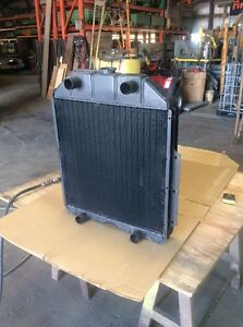 Nos 1942 1947 Ford Truck Radiator 21t 8005 A Flathead V8