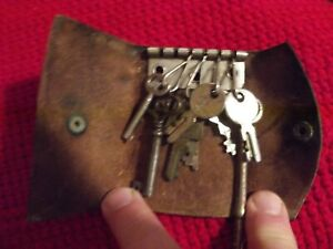 Antique Vintage Collector S House Luggage Cabinet Skeleton And Misc Keys