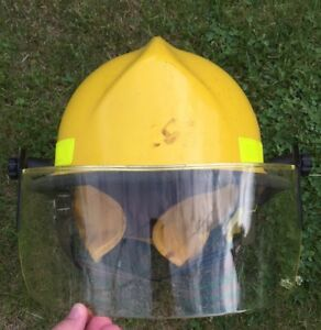 Cairns Brother Commando 970 Eagle Fire Helmet Yellow Fire Fighter