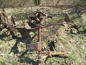 Farmall International Fast Hitch 3 Bottom Plow For Tractor