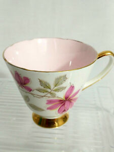 Old Royal Bone China England 3739 Pink Flower Gold Trim Footed Teacup Only