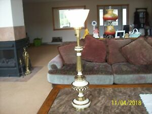 Rembrandt Lamp Company Vtg Creamy Tall Brass Torchiere Candle Stick Table Lamp