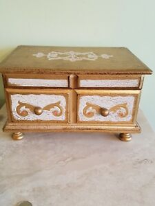 Lovely Vintage Italian Style Tole Florentine Wood Jewelry Music Box Japan