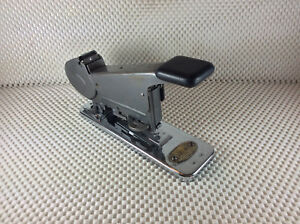 Vintage 1930 s Bates Wire Roll Makes Staples Union Carbide Item Antique Stapler