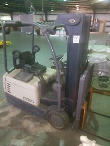 Crown Electric Forklift Sc 4000 Series With 36v Charger