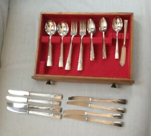 34pc Artistic Oneida Wm Rogers Silverplate Flatware Set Grill Forks More