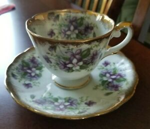 Old Gold Footed Tea Cup And Saucer Hand Painted Violets Japan