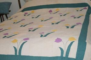30 S Hand Sewn Antique Applique Quilt W Lavender Yellow Tulips Teal Ecru 85 X76