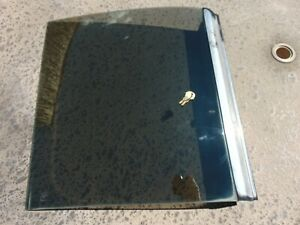 1981 88 Ford Mustang T top Glass Assembly With 2 Keys Rh Passengers Gray Trim