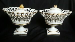 Two Old Paris Porcelain Reticulated Baskets Compotes With Inserts