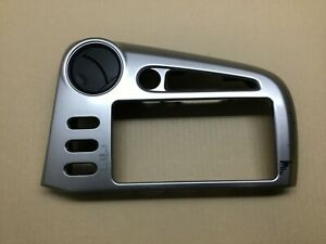 2003 2008 Toyota Matrix Pontiac Vibe Dash Radio Bezel Trim W Clock Option Oem