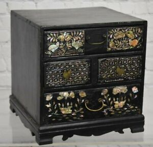 Rare Lacquered Korean Mother Of Pearl Comb Box 19th Century Joseon Dynasty